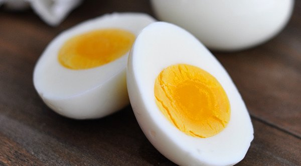 Quantos gramas de proteína tem um ovo inteiro